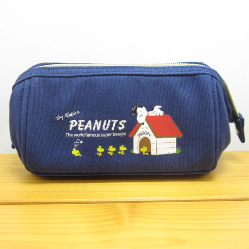 PEANUTS(ピーナッツ) SNOOPY スヌーピー フラットタッチシリーズ フリックポーチ ドッグハウス